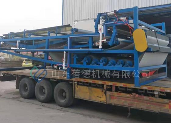 河南石材加工厂订购一台新型污泥压滤机