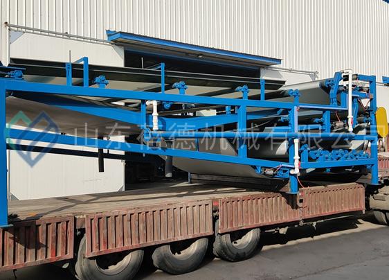西安污水处理厂带式压滤机发货现场