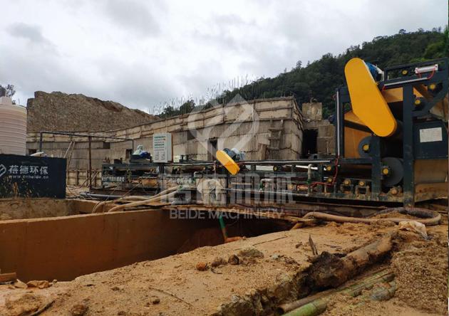 尾矿泥浆干排脱水设备